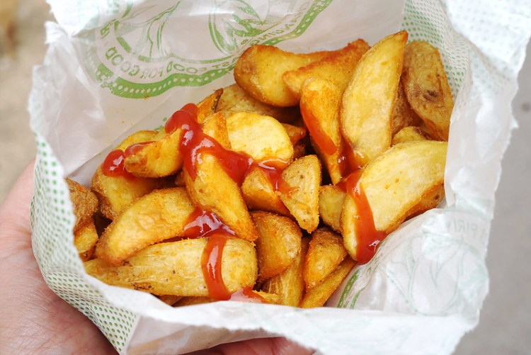 Gluten free wedges and ketchup from Roosters Piri Piri | Gluten Free Finsbury Park Guide