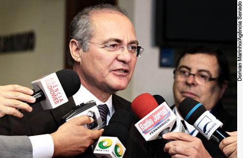 Renan lidera no Senado oposição ao projeto que regulamenta a terceirização, Renan em entrevista