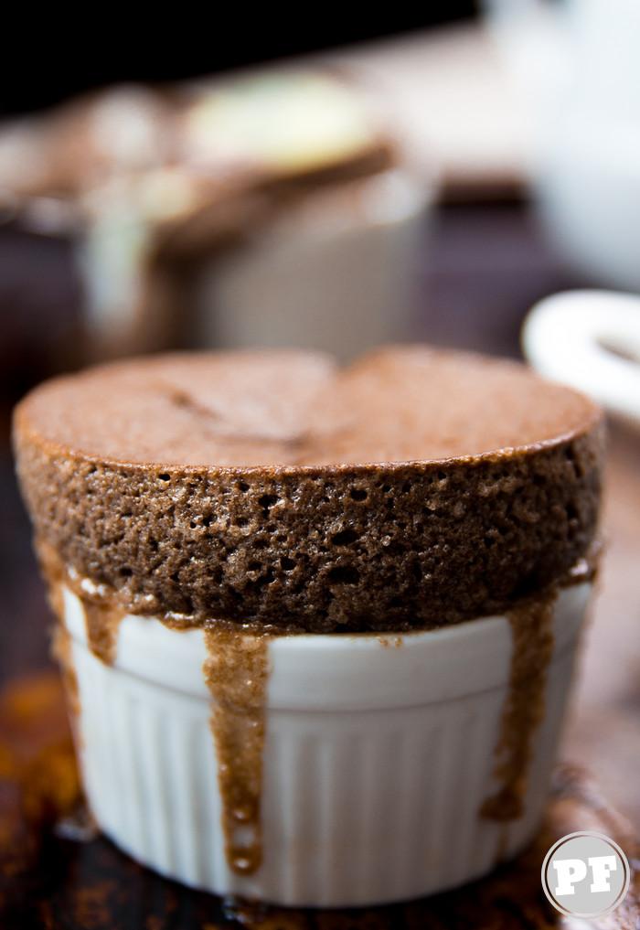 Suflê de Chocolate por PratoFundo.com