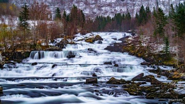 Vallestadfossen - Gaular, Norway.jpg