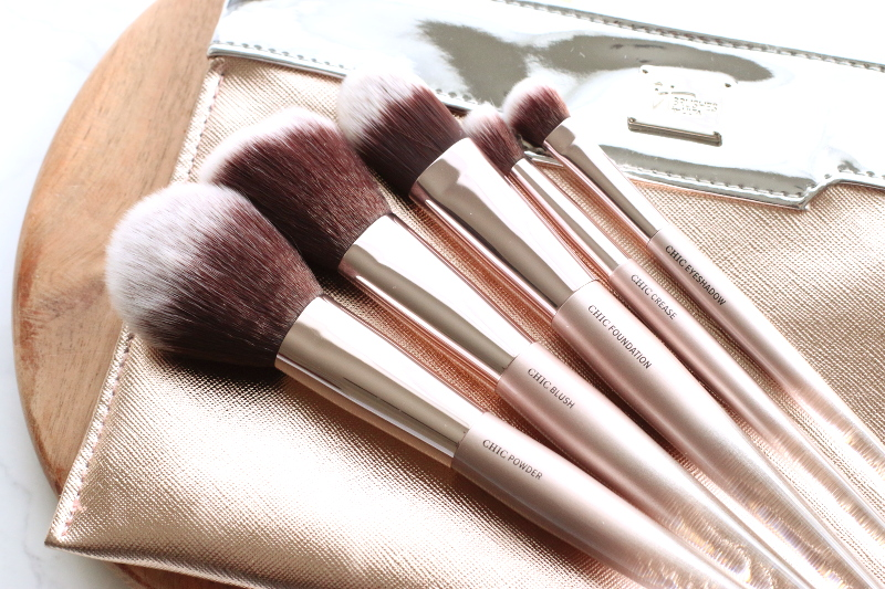 it-cosmetics-makeup-brushes-12