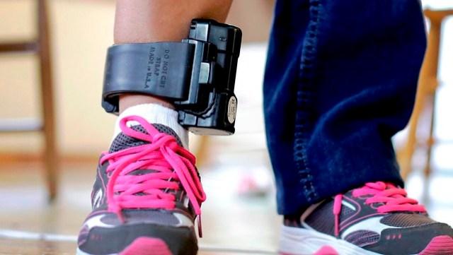 Juiz federal manda retirar tornozeleira eletrônica de réus da Madeira Limpa
