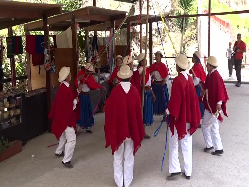 Ecuador Alausi Folklore video 3