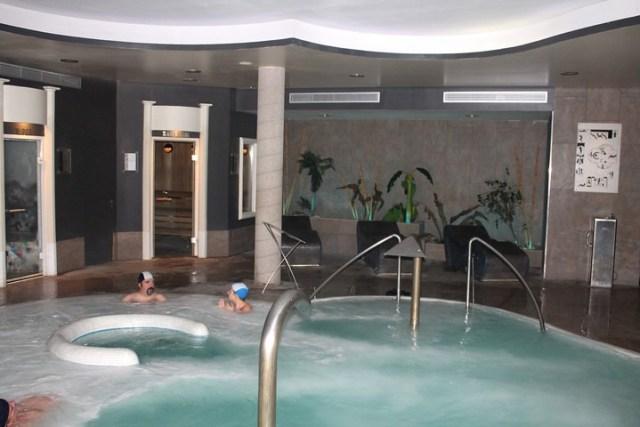 Que ver en el bergued 7 visitas imprescindibles - Piscinas interiores climatizadas ...