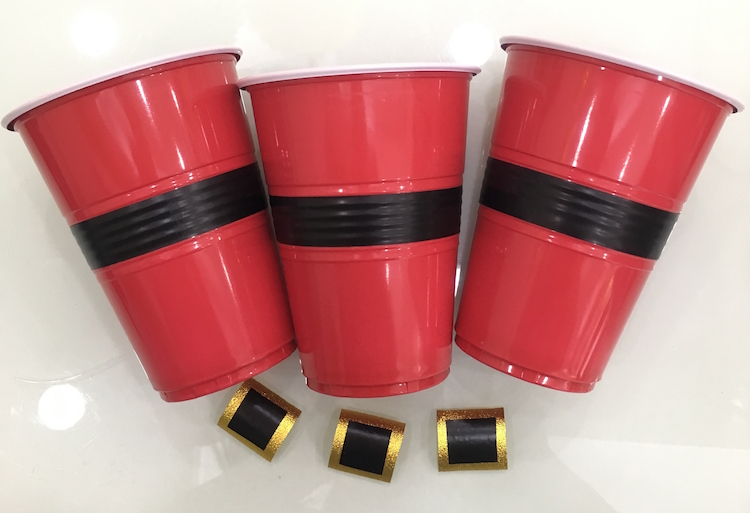 Homemade Parties DIY Party _How to Make Santa Cups07