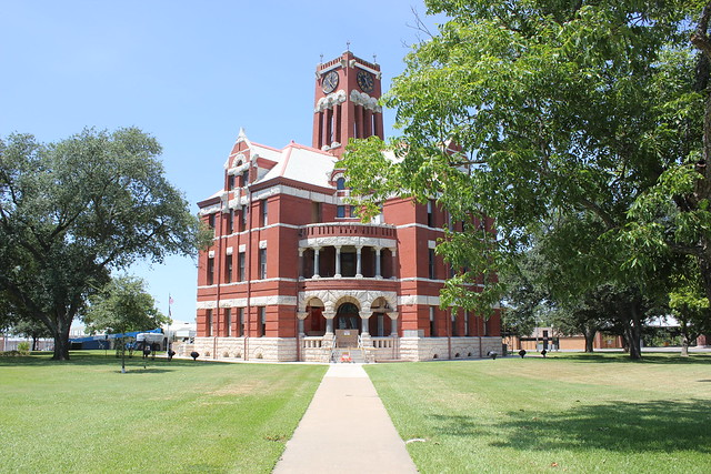 Lee County Courthouse, Giddings, Texas