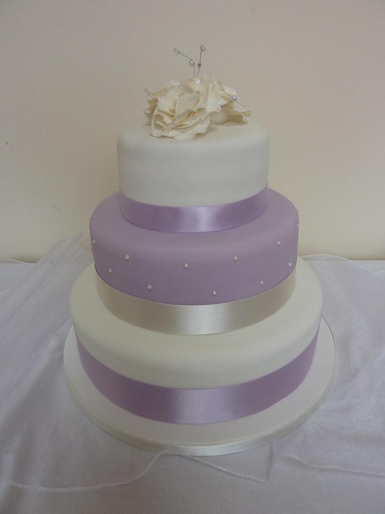 Lilac Amp White Wedding Cake Sugar Crumb Fairy Flickr