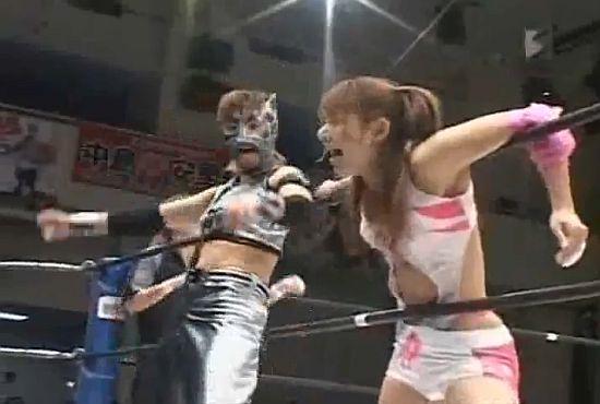 Rei Versus Cherry Japanese Women Wrestling 3