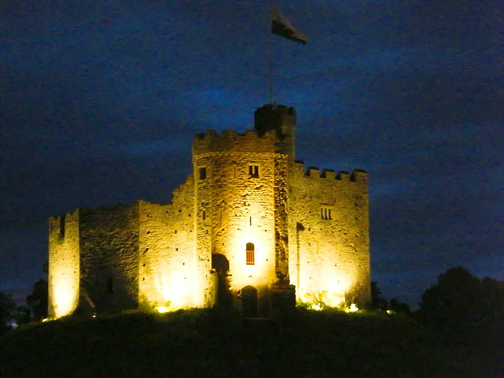 Cardiff Castle At Night Cardiff Castle Is A Medieval