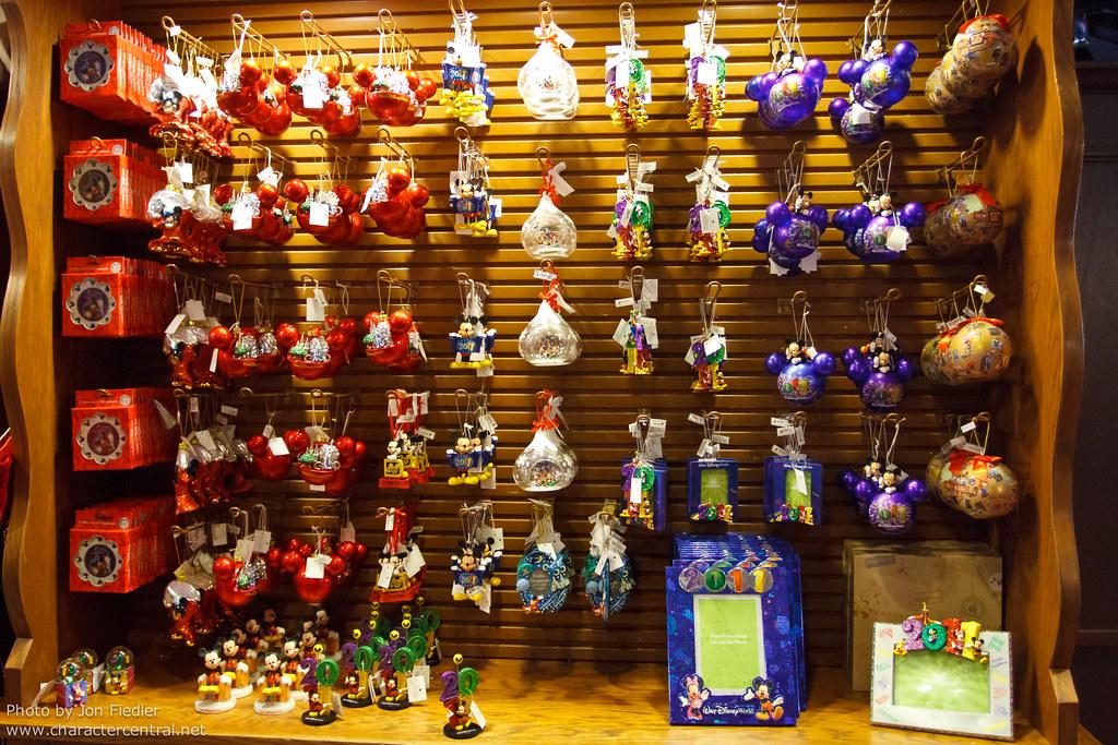 Shoppe Christmas Ye Kingdom Olde Magic