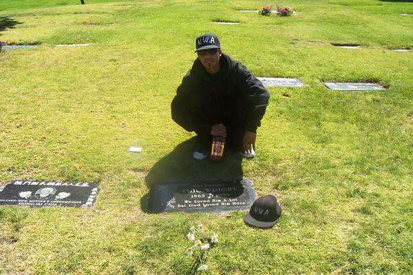 Eazy E Dead Body: Biggie Smalls Funeral Open Casket