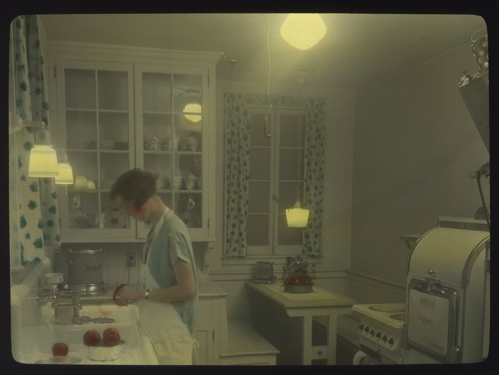 Woman In Kitchen Circa 1930s Item 78065 City Light