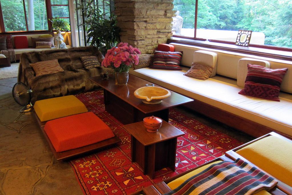 PA Mill Run Fallingwater Livingroom Fallingwaters