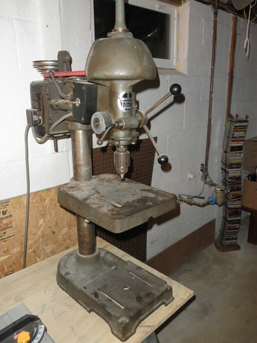 Drill Press Walker Turner 900 Bench Top Before Clean Up