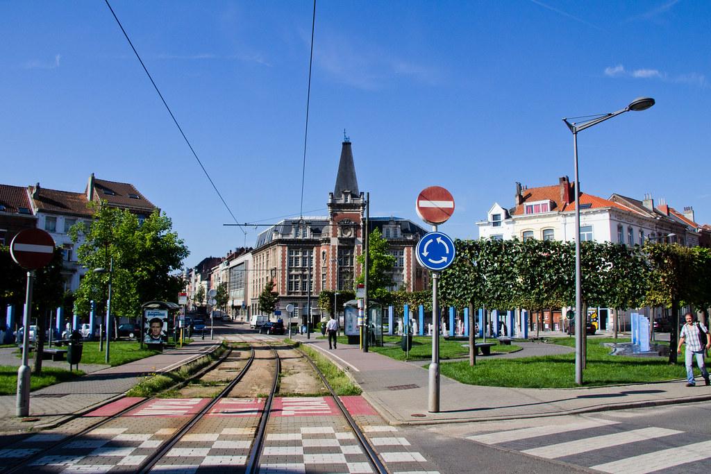 Belgique Bruxelles Etterbeek Place Saint Pierre Flickr