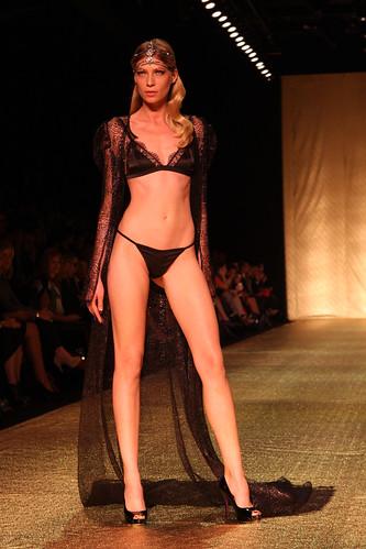 Johanna Johnson Sydney Australia A Model Showcases