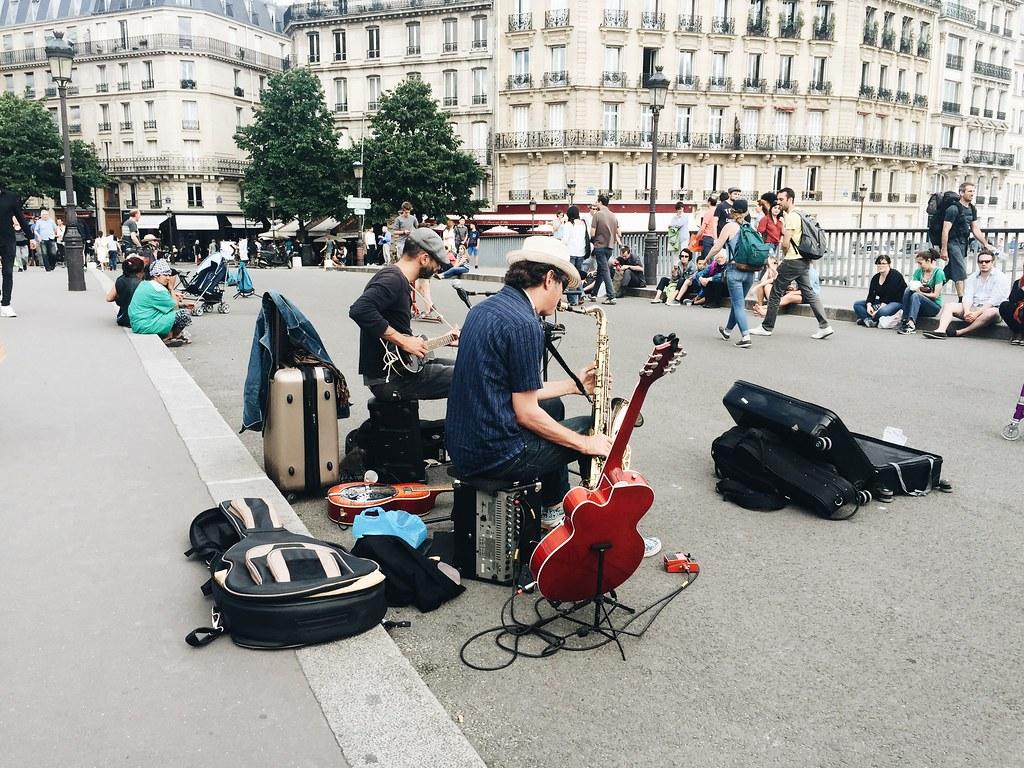 Paris 2016 buskers street music