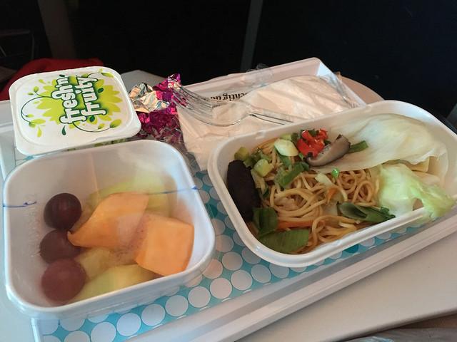 機内食 オークランド→上海