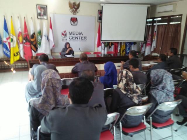 Evaluasi Kinerja Pegawai Bulanan di KPU Kab.Tulungagung (24/5)