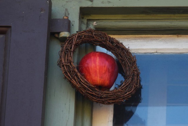 Window Corner Wreath