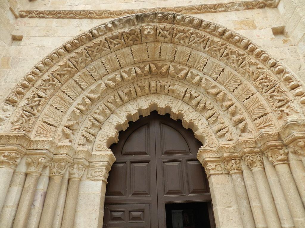 Fachada exterior portada sur Iglesia de Santa Maria Magdalena Zamora 07