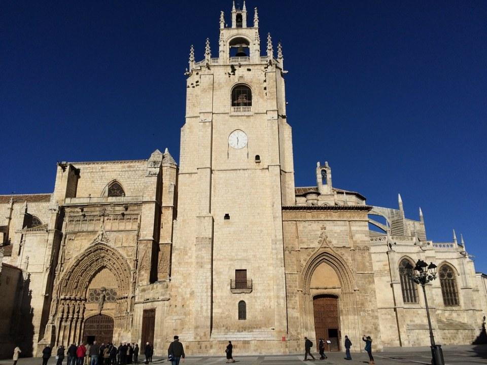 Fachada sur Catedral de San Antolin Palencia 05