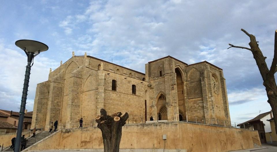 Villalcazar de Sirga Colegiata Romanica Santa Maria La Blanca Palencia 03