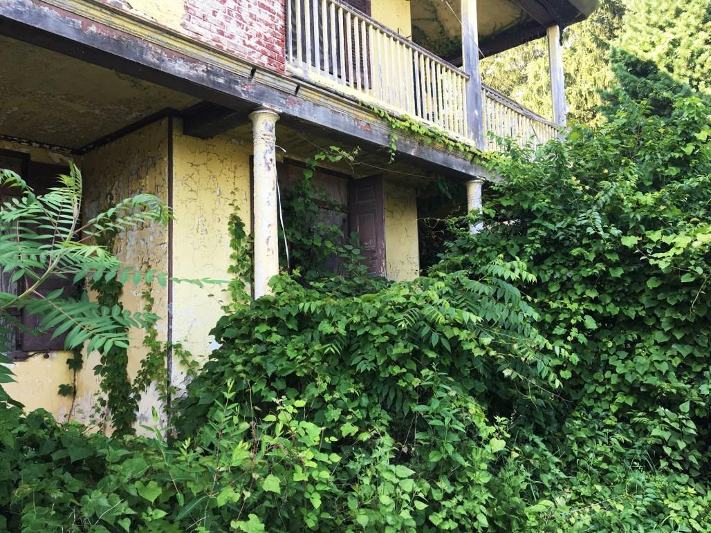 richard-ashbridge-mansion-exton-abandoned-urbex