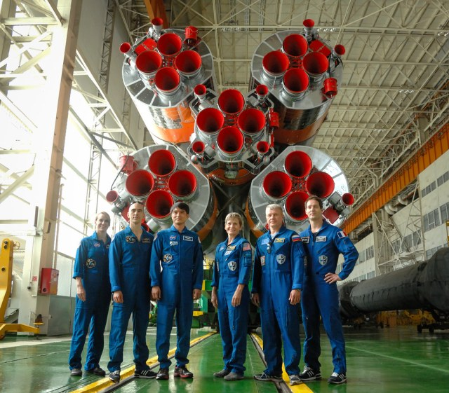Expedition 48 Prelaunch (NHQ201607020004)