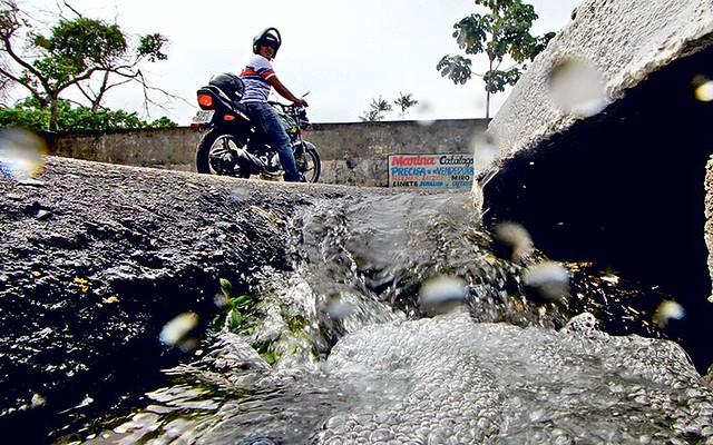 Ação na Justiça pede o fim do contrato de 20 anos entre a Cosanpa e Santarém, Cosanpa - água vazamento
