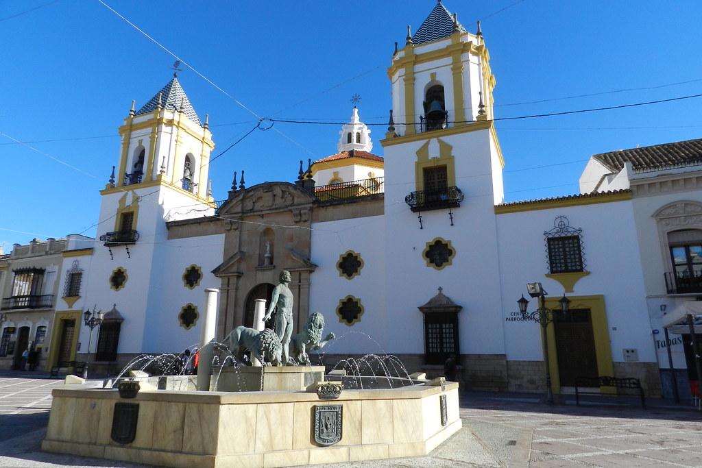 Fuente Iglesia y Plaza del Socorro Ronda Malaga 02