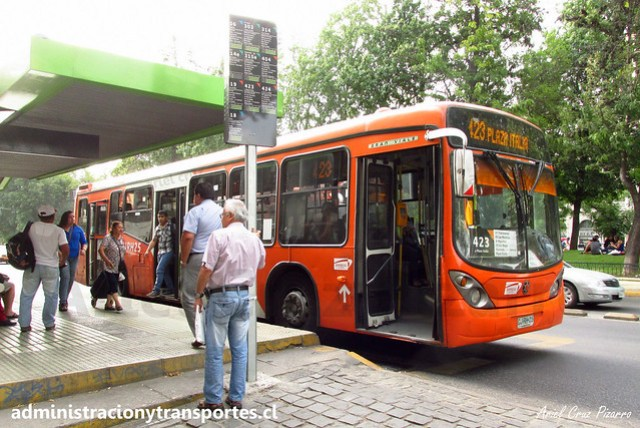 Transantiago 423 | Express | Marcopolo Gran Viale - Volvo B7R LE / CJRH25