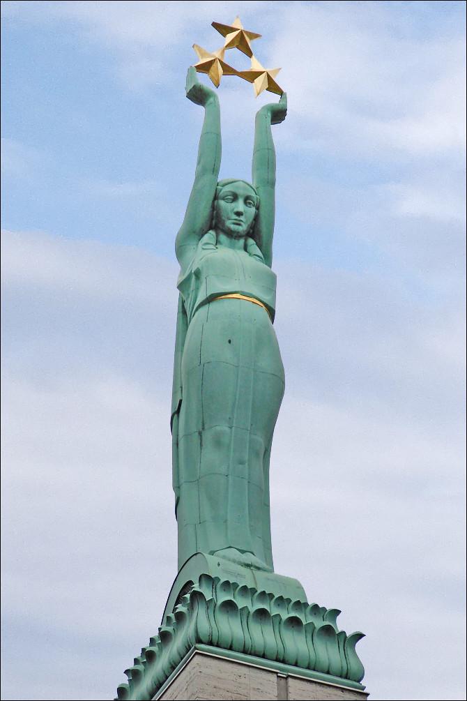 Le Monument De La Libert Riga Milda La Marianne