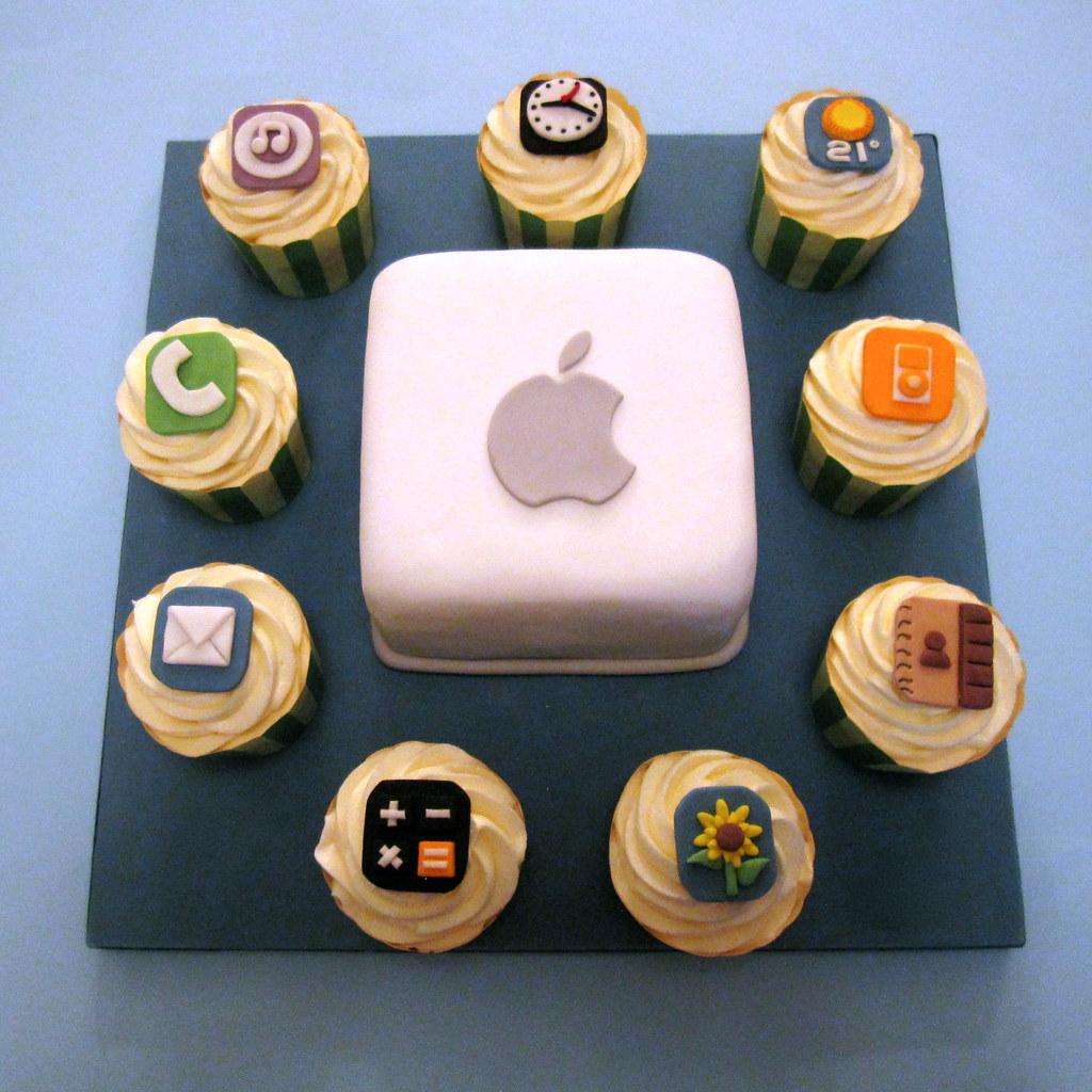 Ipad Iphone Cake And Cupcakes Big Cake Little Cakes