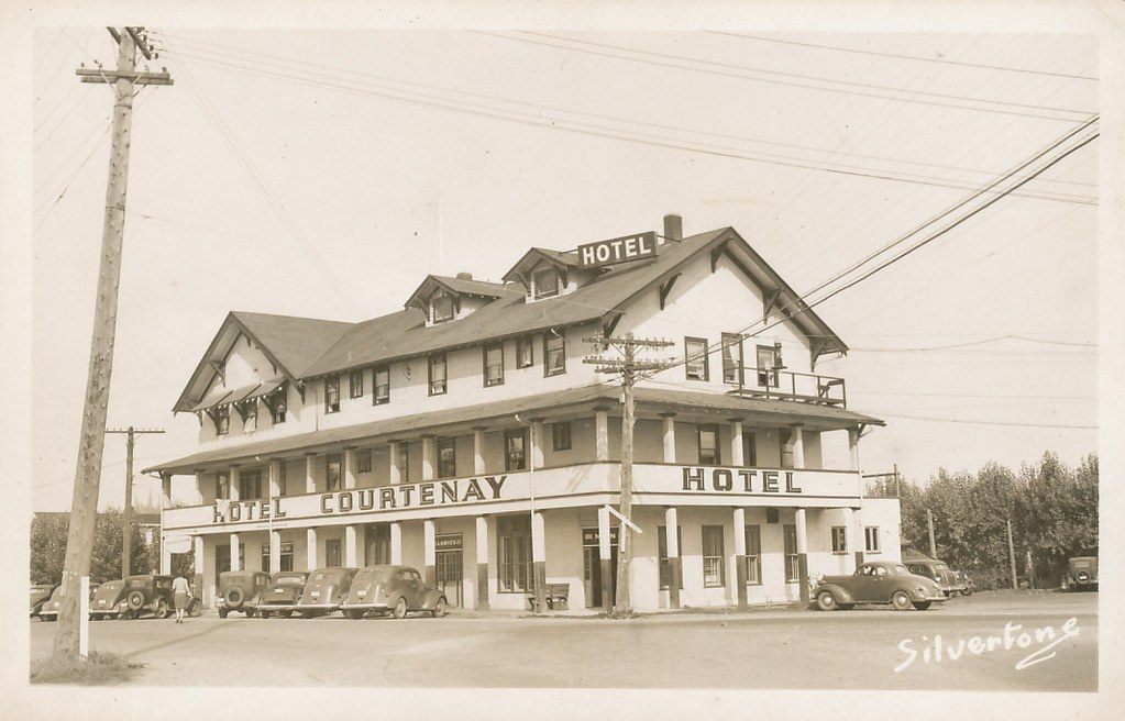 Old House Courtenay Image
