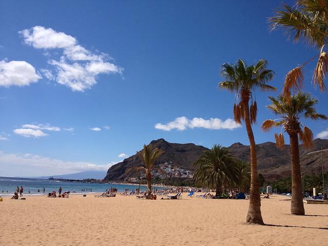 在 一个 美丽 的 美丽 的 海滩
