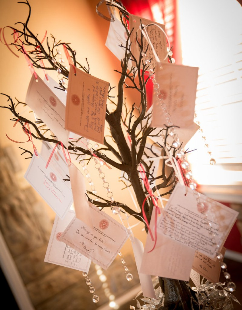 Memorial tree for a wedding from @offbeatbride