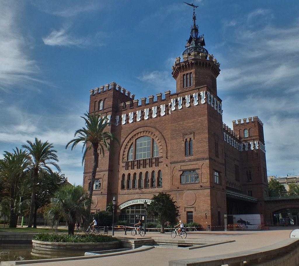 Castell Dels Tres Dragons Barcelona Es Wikipedia Org