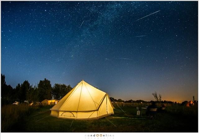 Het kijken naar de Perseïden in 2016 vanaf de camping in Friesland (EOS 1Dx met EF 15mm f/2,8 fisheye | ISO3200 | f/2,8 | meerdere opnamen van 10 seconden gecombineerd)