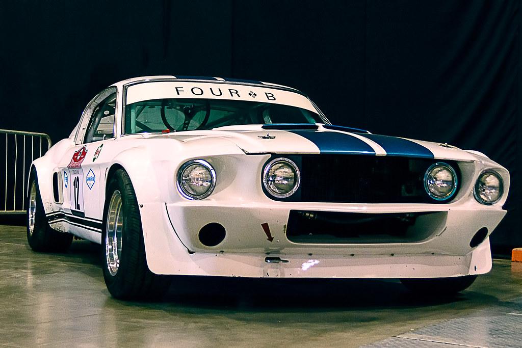 Ford Mustang Shelby GT350 Exposición zero300