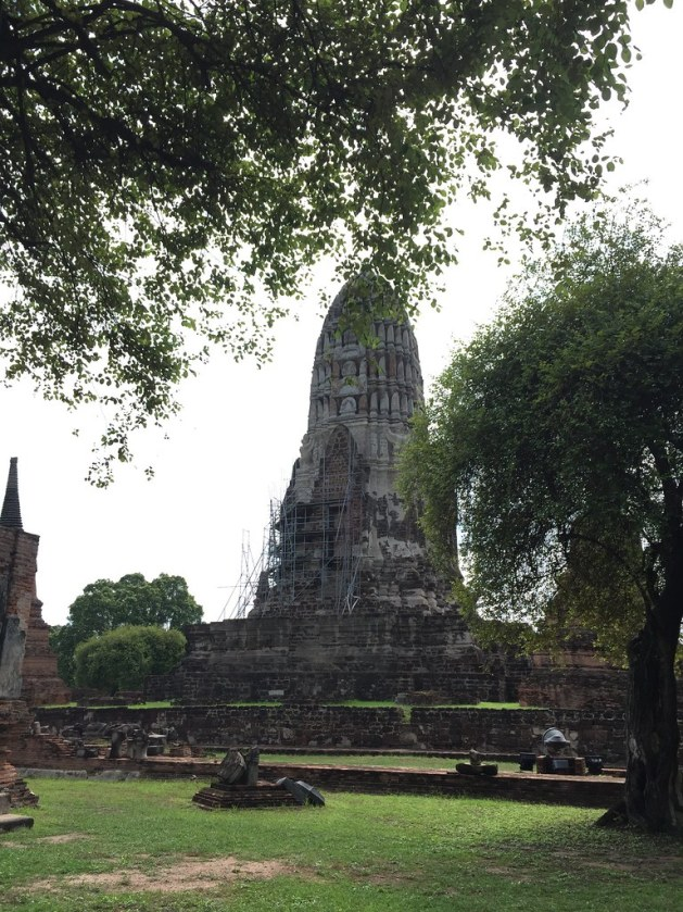 wat ratchaburana ayutthaya AlexExplorestheWorld