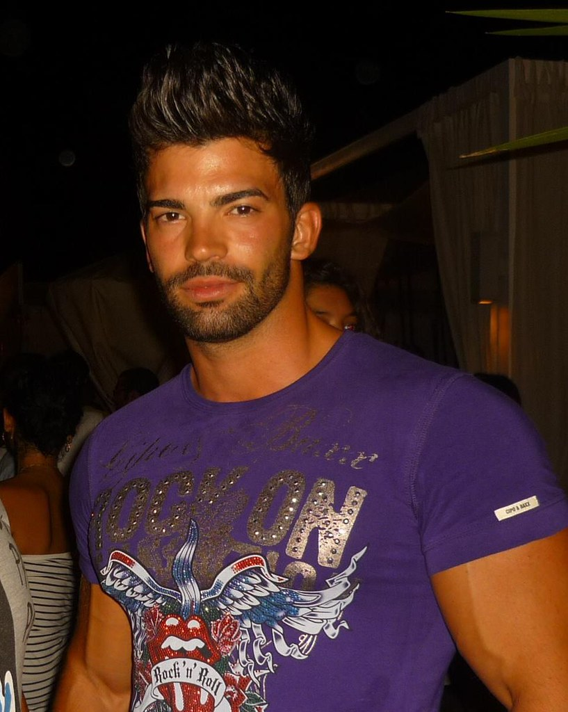 Sergi Constance In T Shirt Enrique Lin Flickr