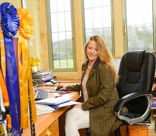 Claire Galer, Derriere Equestrian