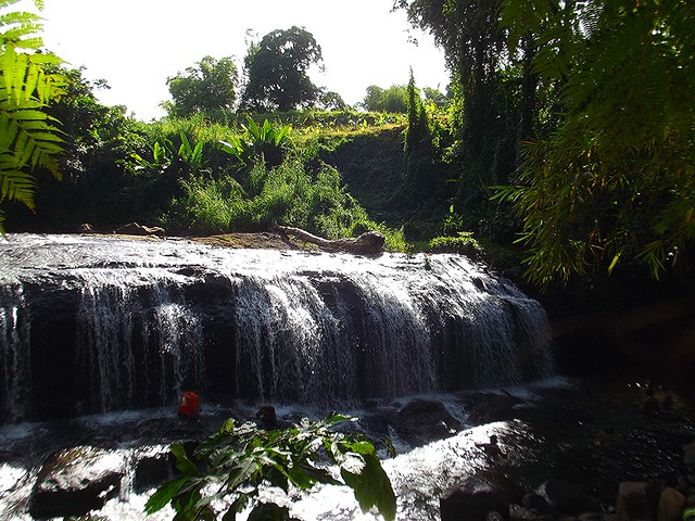 bo la rivié, cascade trinité martinique, work in france, working holiday visa for france