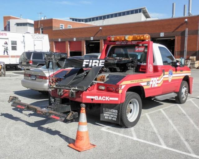 Resultado de imagen de fire Tow Truck