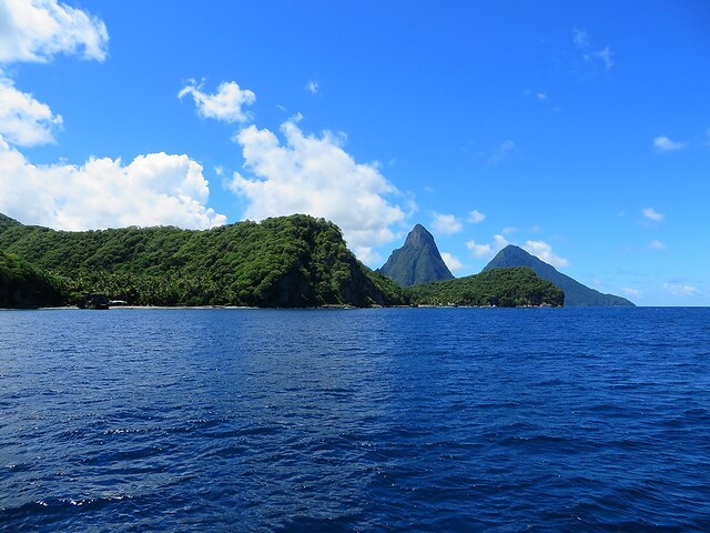 gros piton, petit piton, st lucia, things to do in st lucia, catamaran tour of st lucia