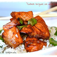 Salmón teriyaki con arroz blanco