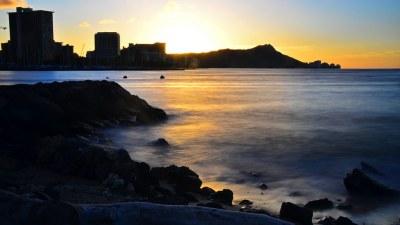Waikiki Sunrise | A morning sunrise over Waikiki from ...