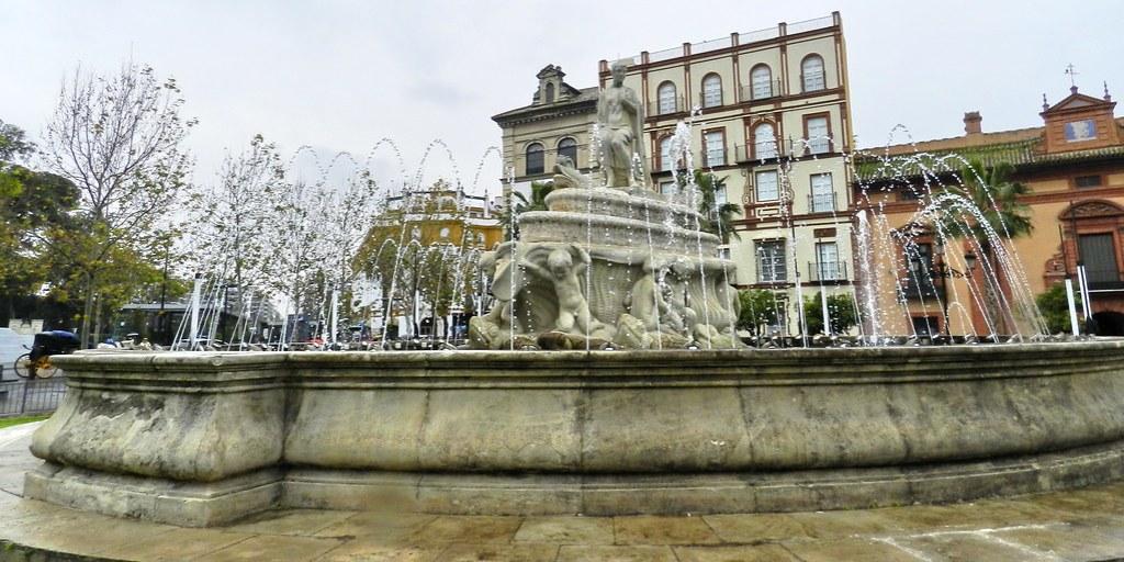 Fuente de Puerta de Jerez Sevilla 02