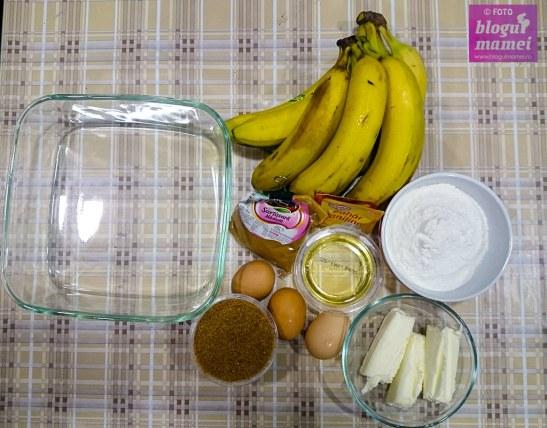 plăcintă pe dos cu banane